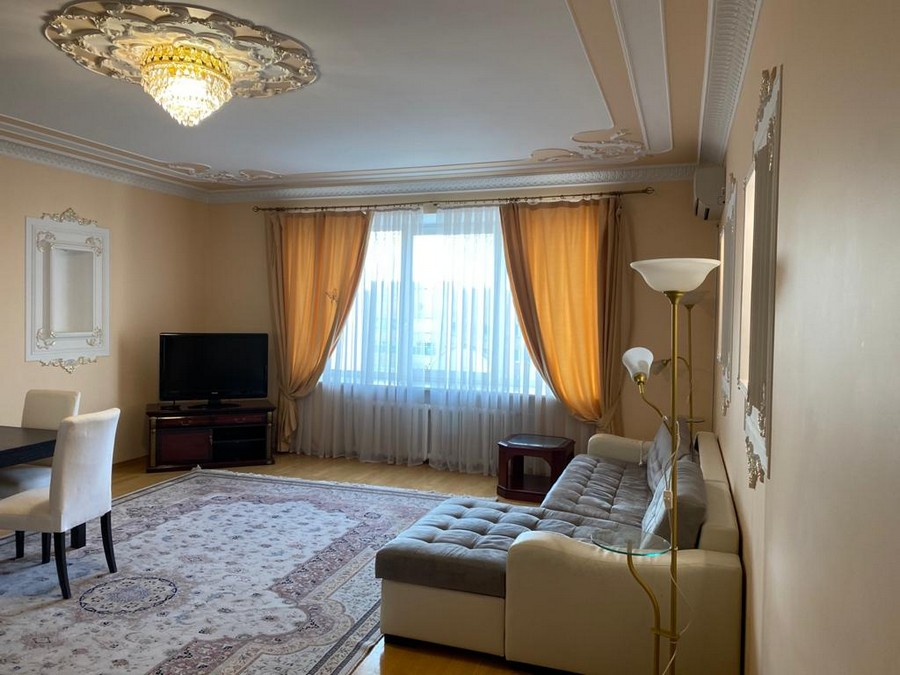 Аренда 4-комнатной квартиры, Москва, Александра Невского,  19-25
